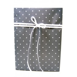Presentpapper grått med stjärnor