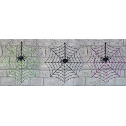Glittrigt Spindelnät med spindlar